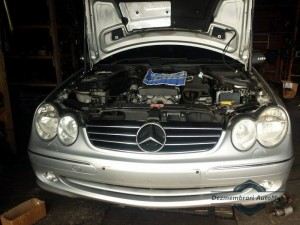 Dezmembrez mercedes clk 200 kompressor 2003 Mercedes